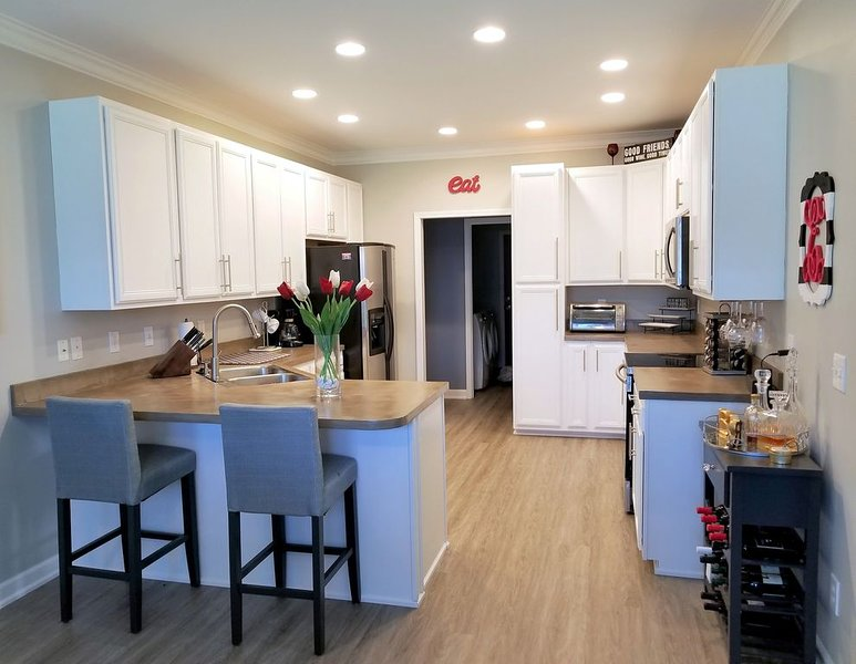 Large 3 BR, 2 bath in lovely Winston Salem, NC!, vacation rental in Lewisville