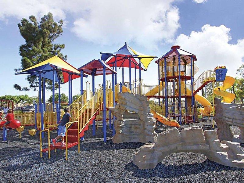 Aire de jeux pour enfants au parc Smith - 1 mile