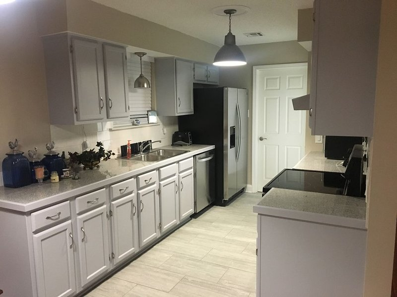 15 minutes from Downtown New Orleans & the French Quarter, vacation rental in Marrero