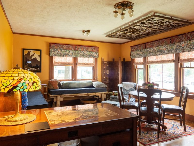 Downtown Retreat in Restored Historic Cottage with Off-Street Parking, alquiler de vacaciones en Missoula