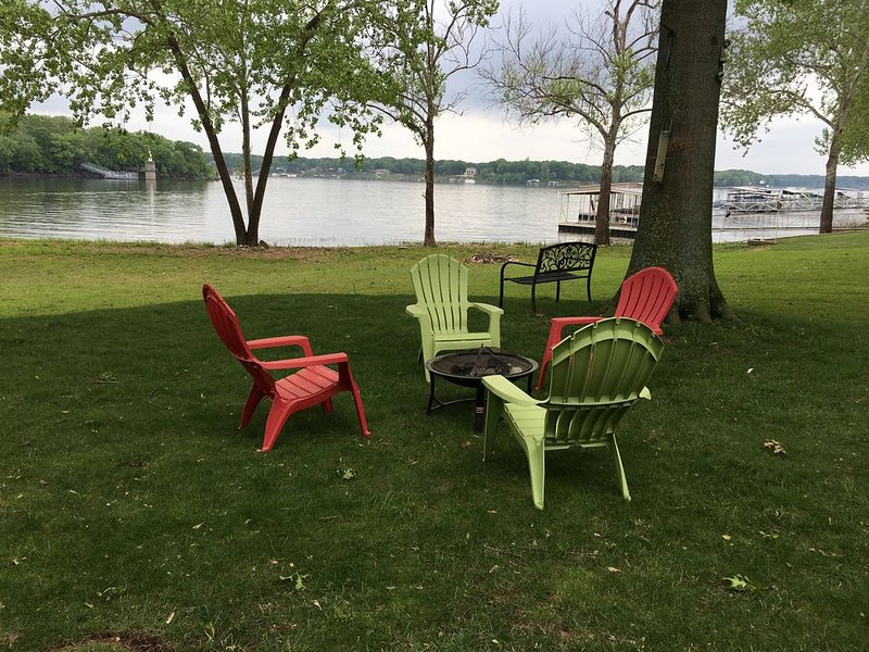 Amazing views, Lake Front Home!!!, holiday rental in Fairland