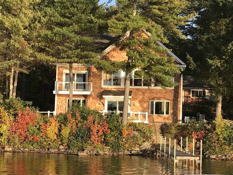Simonson Lakeside 4 Bedrooms, vacation rental in Falmouth