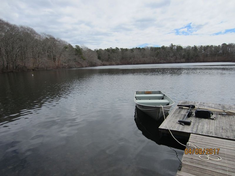 A Slice of Heaven on a Pond Near Downtown Falmouth, Beaches, Mashpee Commons, vacation rental in Falmouth