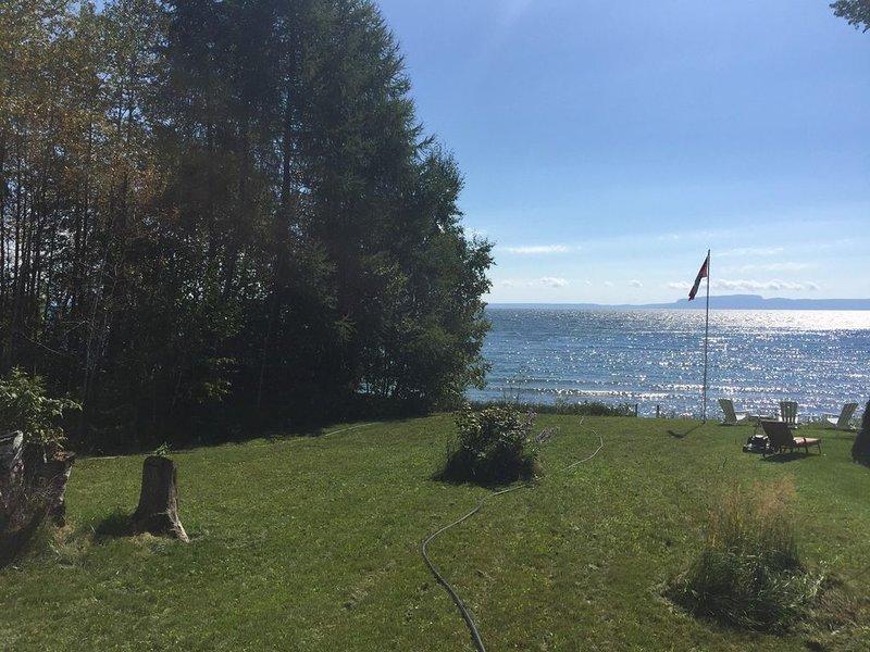 Beachfront Cottage on Lake Superior, holiday rental in Thunder Bay