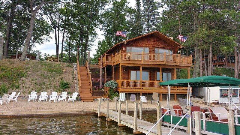 Waterfront House On Fife Lake, alquiler de vacaciones en Lake City