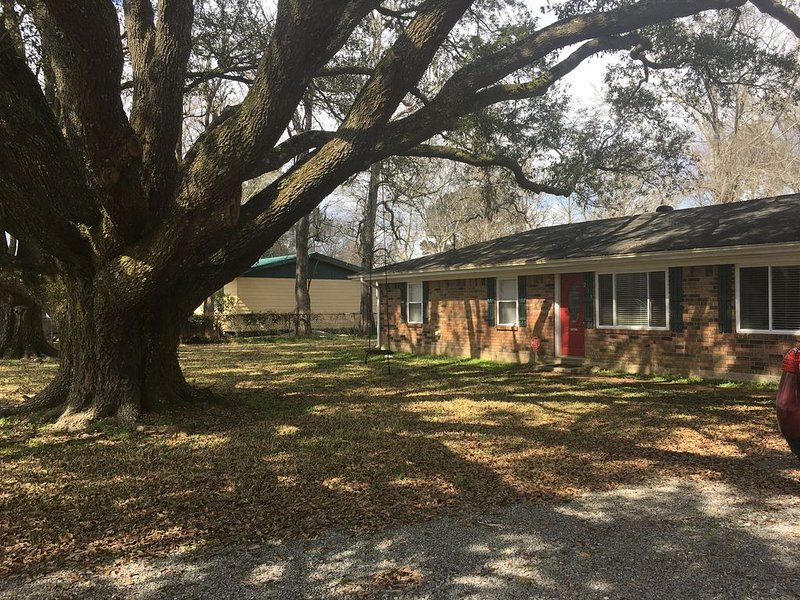 Country Living At It's Finest, just minutes from the City, holiday rental in Breaux Bridge