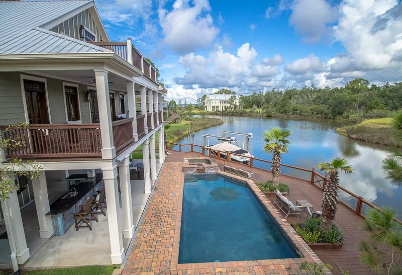 Waterfront Property on the bay, holiday rental in Pass Christian
