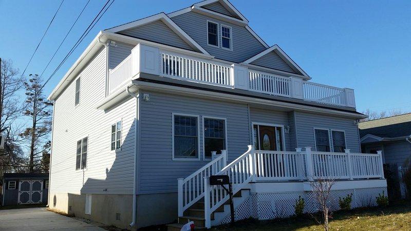 Beautiful Lake View Home near Jersey Shore - Belmar/LakeComo, holiday rental in Sea Girt