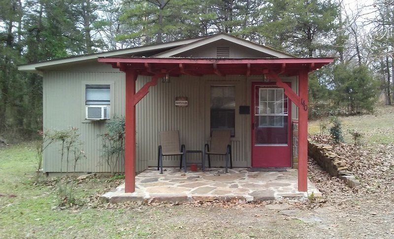 Creekside Cottage At Shoal Bay, aluguéis de temporada em Coal Hill