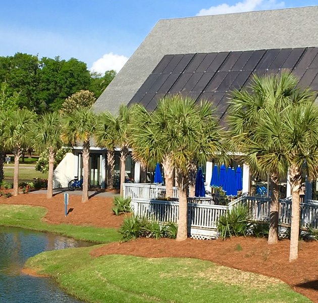 1 BR Beach Resort Getaway - Treat Yourself!, vacation rental in Litchfield Beach