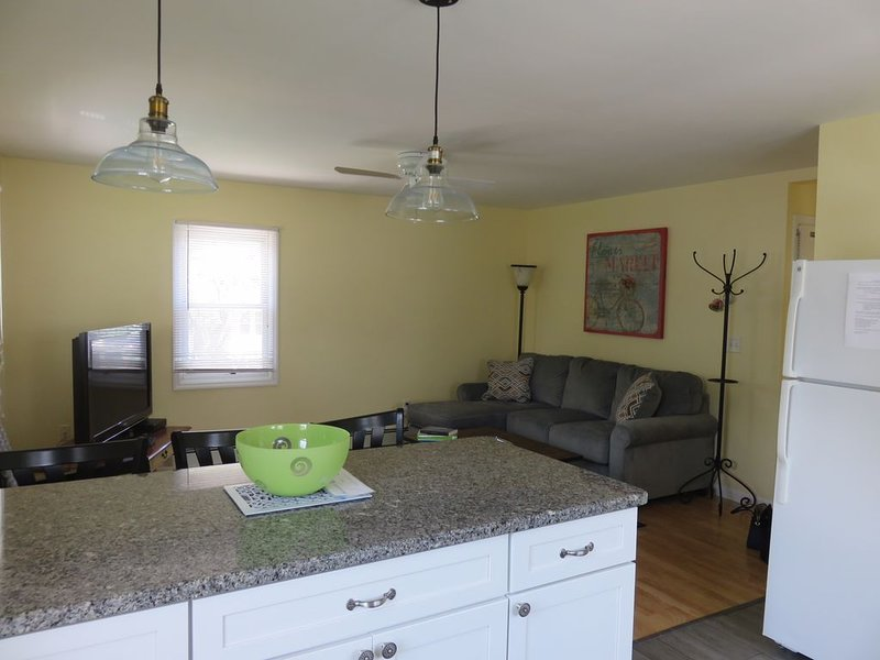 Great Summer Value.  Clean, Cozy Cottage., alquiler de vacaciones en Point Pleasant