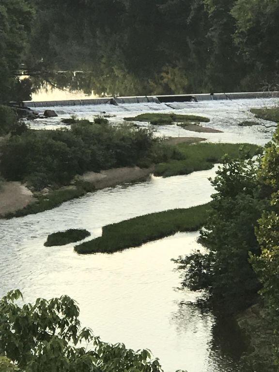 El río Bourbeuse y la presa de Noser Mill