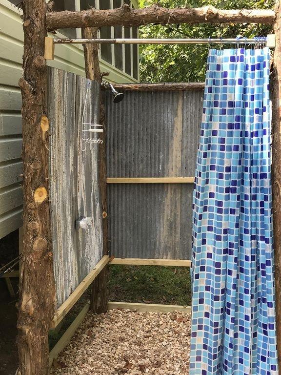 Cabina de jardín ducha exterior.