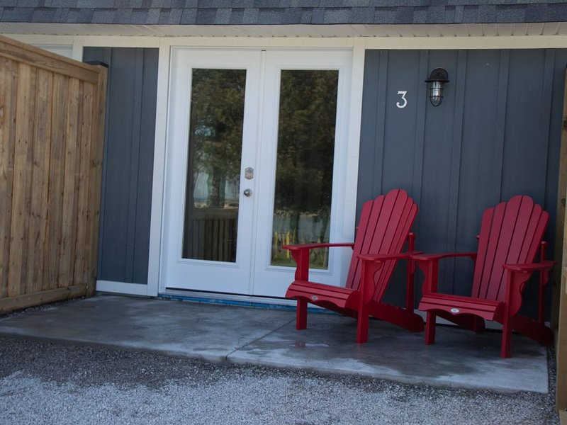 My Lighthouse Cottages #3, holiday rental in Haldimand