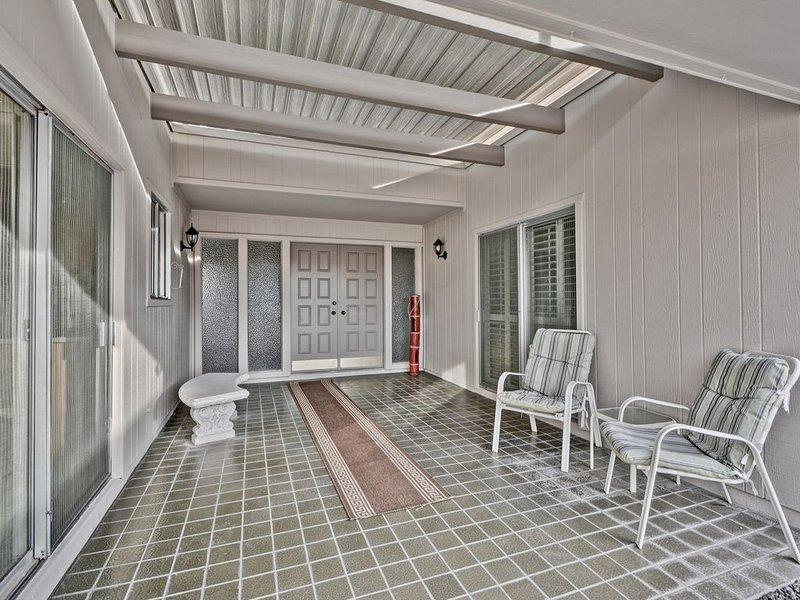 Relax and Enjoy this Wonderful Patio Home In Sun City, Arizona, casa vacanza a Sun City