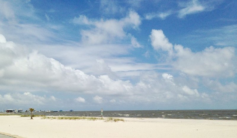 Mississippi Gulf Coast Luxury Blocks from the Beach.  Come Enjoy your Vacation!!, holiday rental in Pass Christian