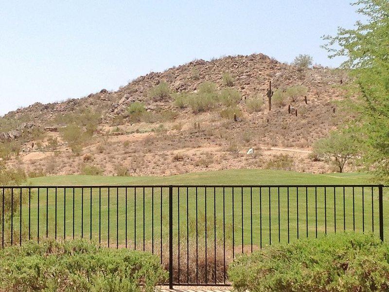 Campo de golf y vista a la montaña!