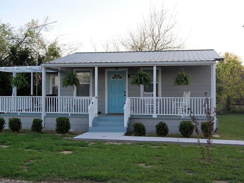 Circle P Cabins  - First Monday Trade Days - Now with 3 cabins on 3 acres, casa vacanza a Emory