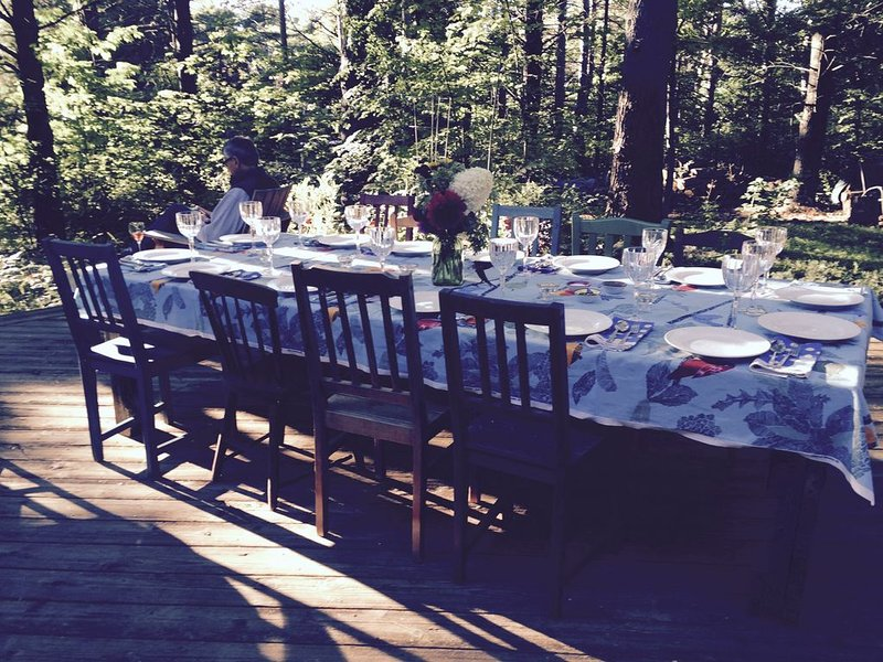 Outdoor dining on the deck!
