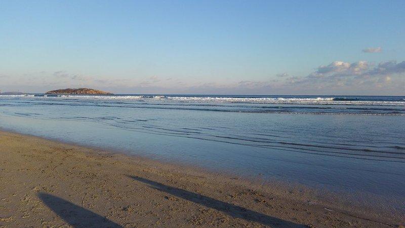 Walk to Good Harbor Beach, pet friendly, family beach home, vacation rental in Cape Ann