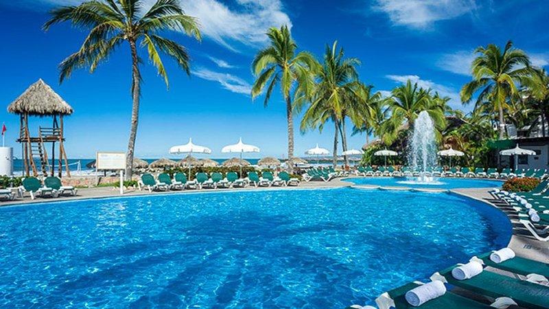 1 Bdrm Suite at the Sea Garden by Vidanta, holiday rental in Nuevo Vallarta