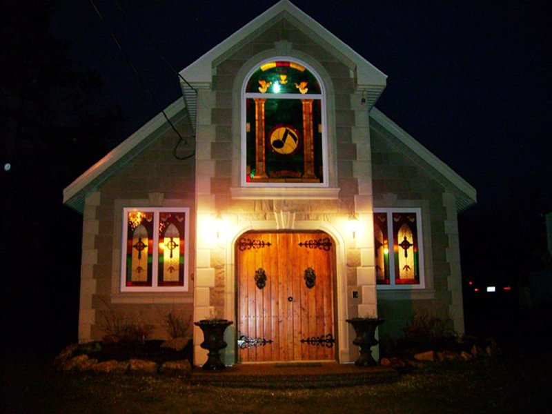 Amazing Unique Church for rent 'ST. CECILIA by the SEA', holiday rental in Halifax Regional Municipality