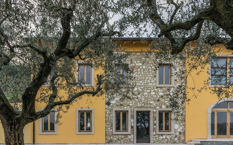 countryside villa on the hills surrounding Verona, vacation rental in Lavagno