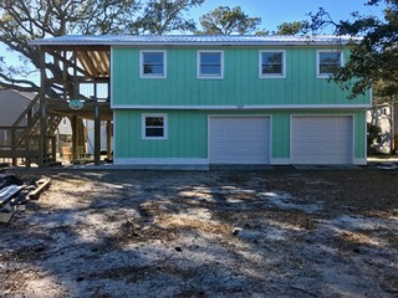 TWO SALTY DOGS - Oak Island, NC, holiday rental in Bolivia