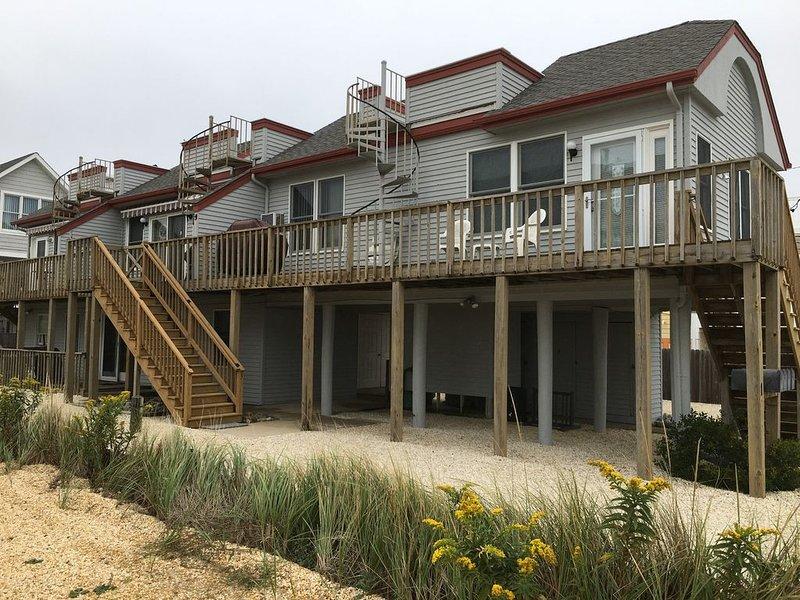 COZY, CONVENIENT OCEANVIEW 1 BEDROOM CONDO, location de vacances à Long Beach Island