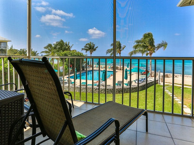 THREE King Beds plus Twin Plantation Village #15   4 TVs with HD Cable, vacation rental in George Town
