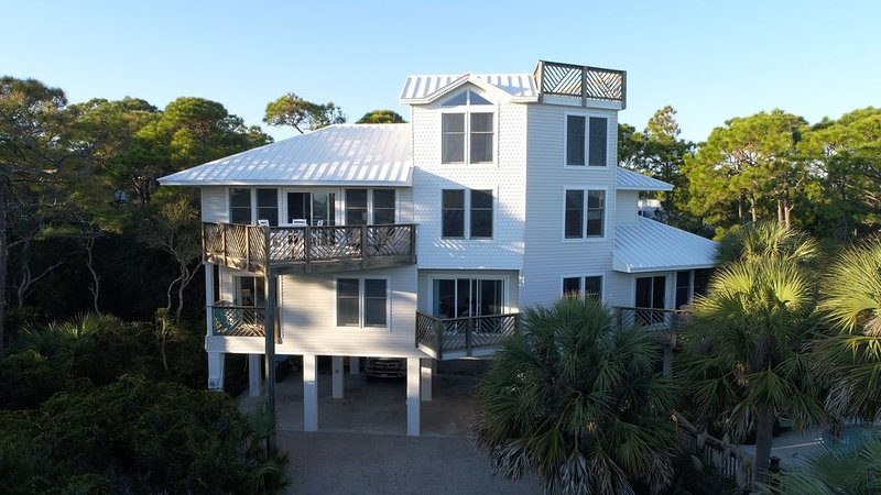 Ocean View Private Oasis in Plantation w/ Heated Pool!, holiday rental in Apalachicola