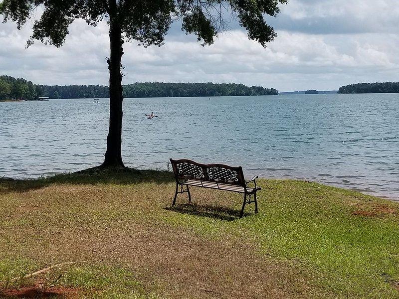 A Perfect Waterfront Villa on Lake Hartwell. Come relax, have fun, get away!, alquiler de vacaciones en Anderson