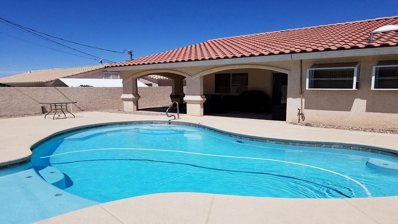 Family Fun Pool Home, holiday rental in Topock