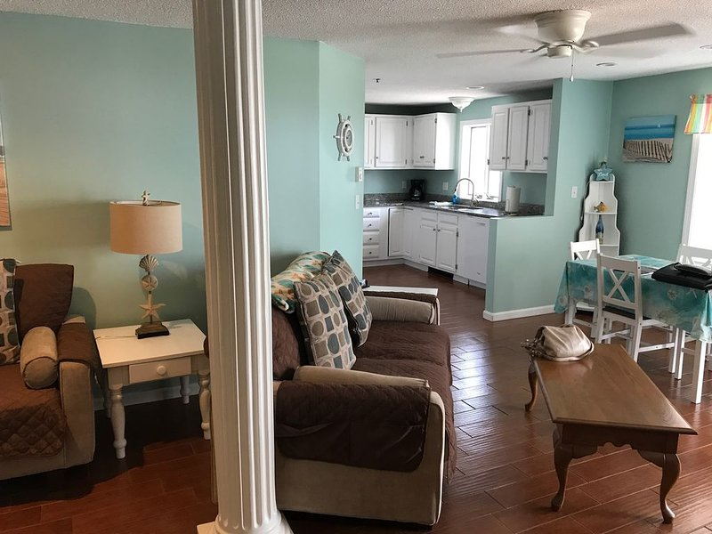 OOB Condo Right By the Beach!, holiday rental in Old Orchard Beach
