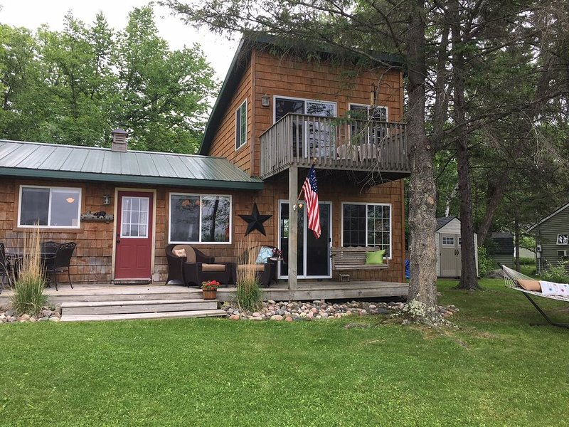 Long Lake Cabin Escape, holiday rental in Isle