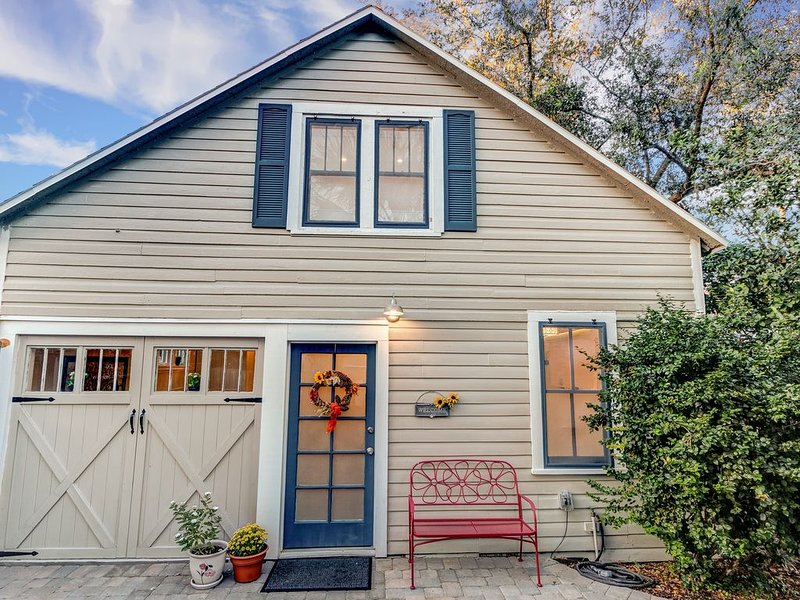 Charming Carriage House In Sanford's Historic District, alquiler de vacaciones en Sanford