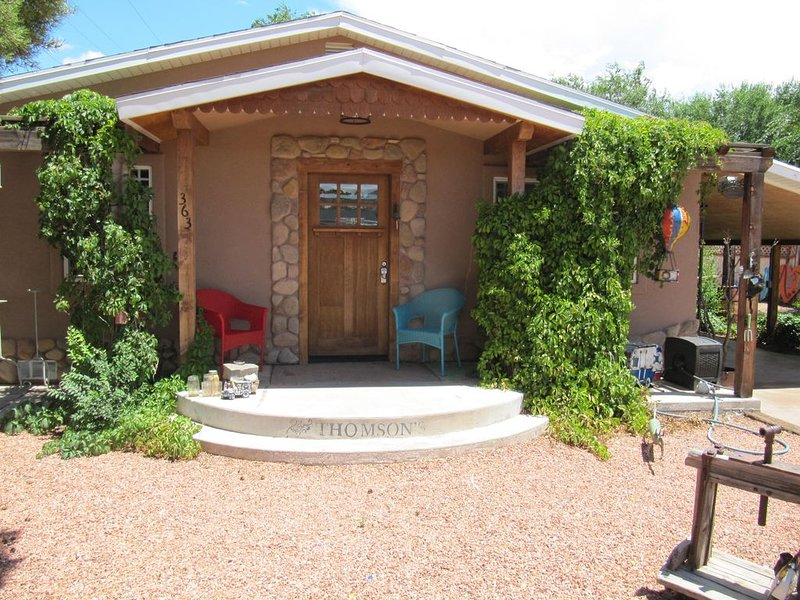 The Kanab Art House - Surround yourself with charm!