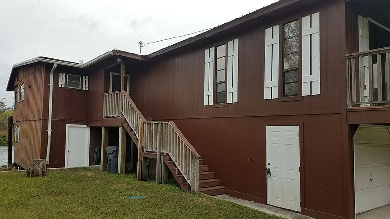 'The Cutty Shack' Lake House on Kissimmee River, vacation rental in Frostproof