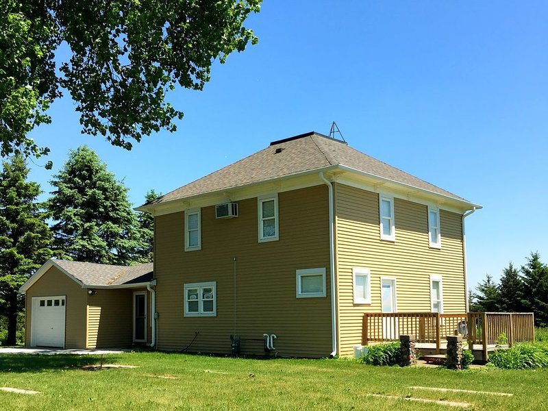 Country Fun with Urban Convenience, holiday rental in New Richmond
