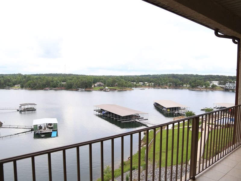 UPDATED Condo on Beautiful Smith Lake, vacation rental in Jasper