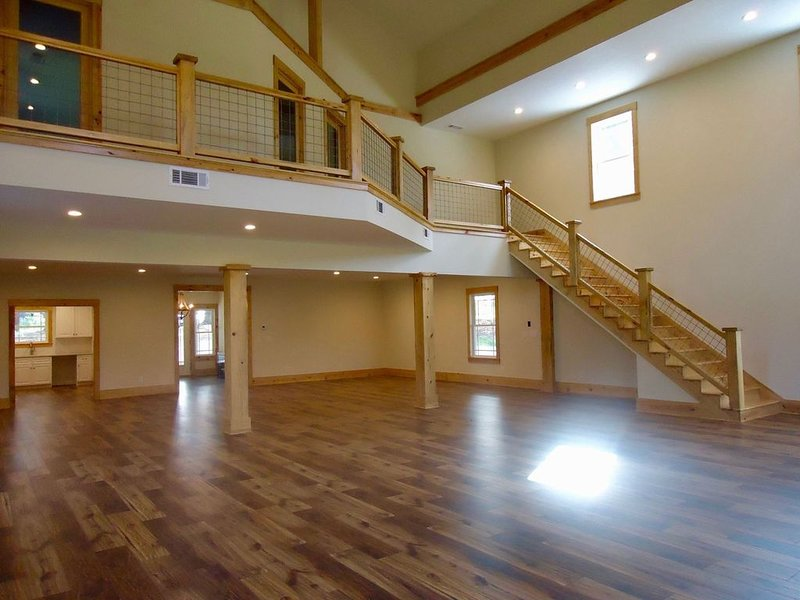 Modern barn home in a quiet setting on a 5 acre lot., holiday rental in Good Hope