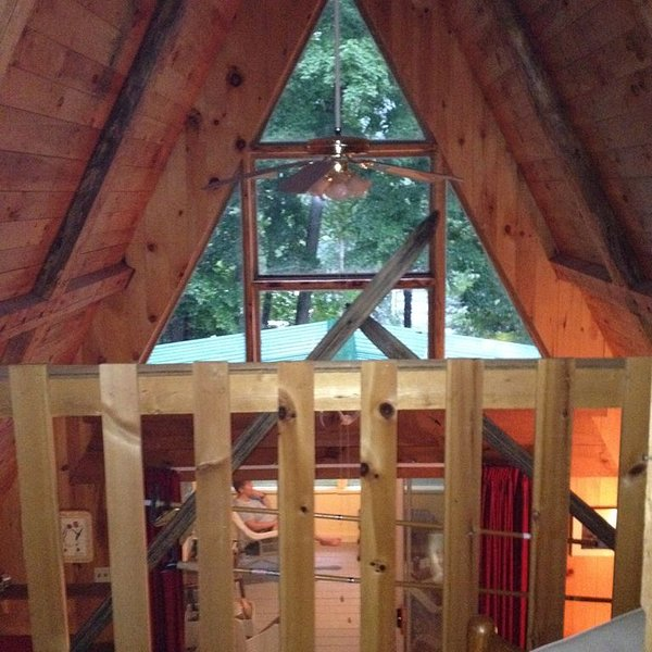Greenwood Lodge. Quiet A-frame on a beautiful lake on the edge of the Kingdom., vacation rental in Craftsbury
