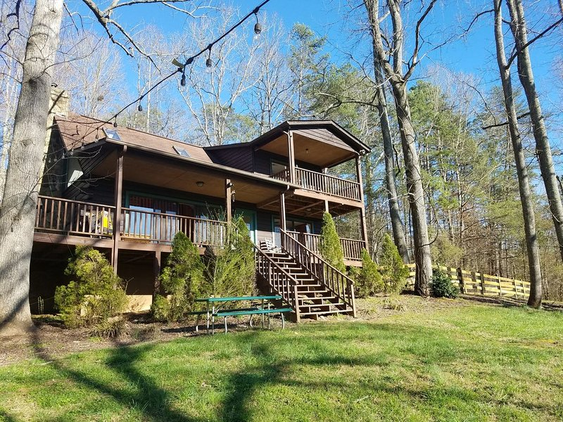 Relax by the River...Perfect for families.  Wi-Fi  -  cell service, holiday rental in Murphy