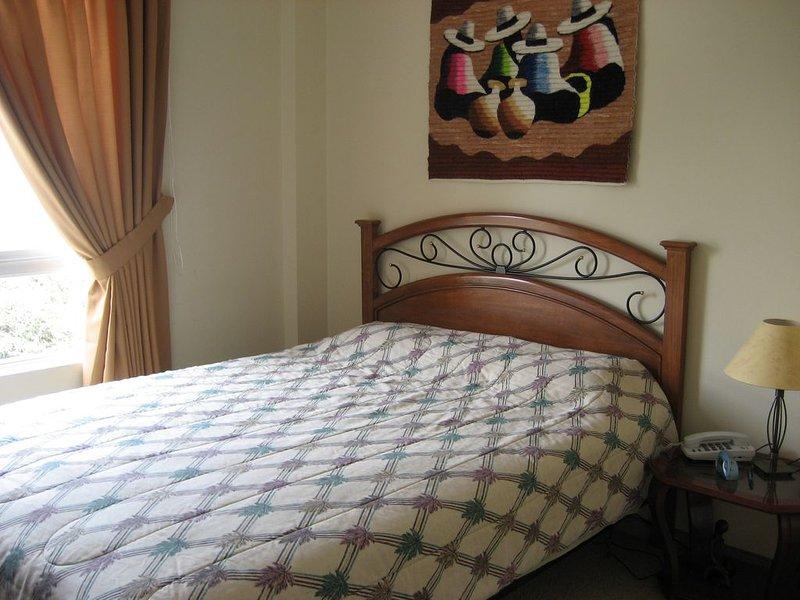Master Bedroom, linens, closet and bathroom