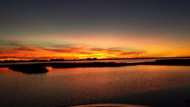 Sunset Paradise Found Treasure Island Freeport/Galveston TX, location de vacances à Freeport