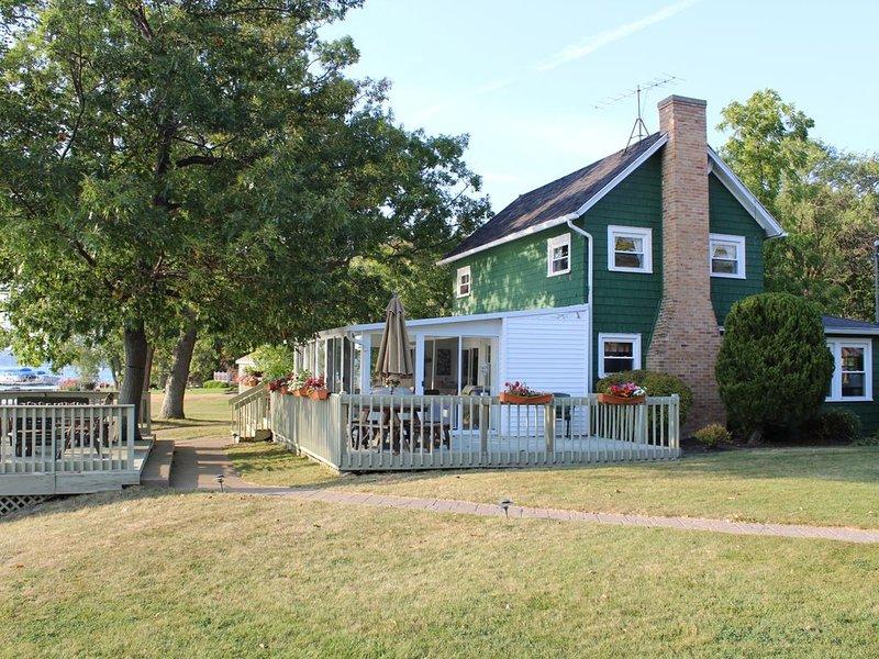 Create Canandaigua Lakes Memories * Our Quaint Waterfront Getaway, location de vacances à Rushville