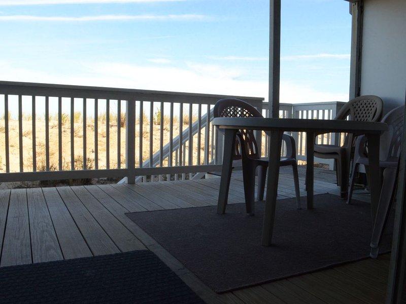 Ocean Front beach house – semesterbostad i Dewey Beach