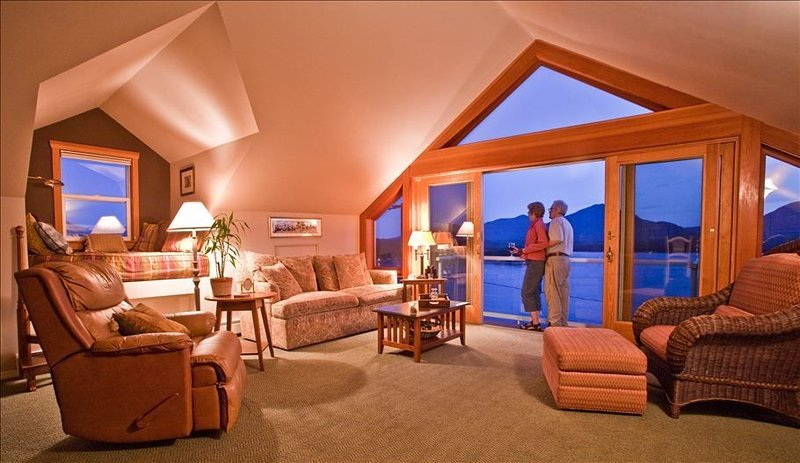 Alaska Nantucket House in downtown Ketchikan. Amazingl views, quick walk to town, vacation rental in Ketchikan