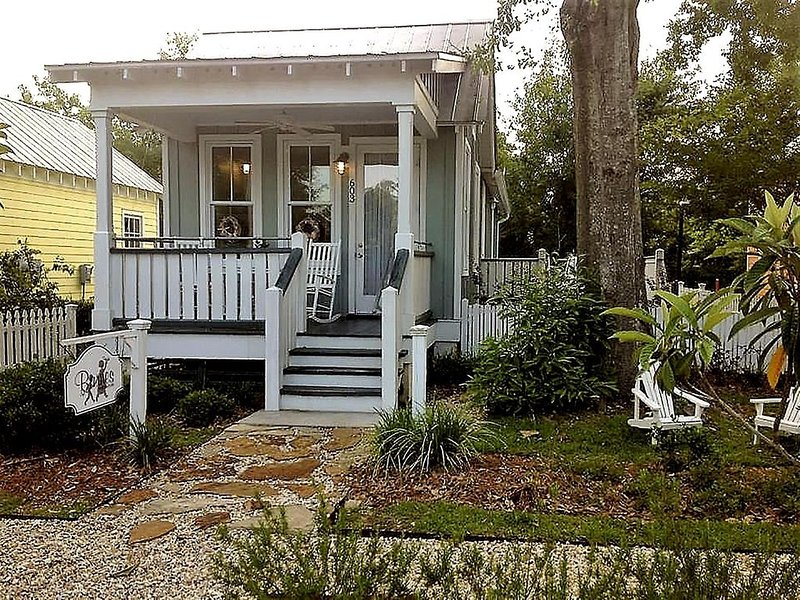 The Cottage on the Square - Downtown Ocean Springs, holiday rental in Gautier