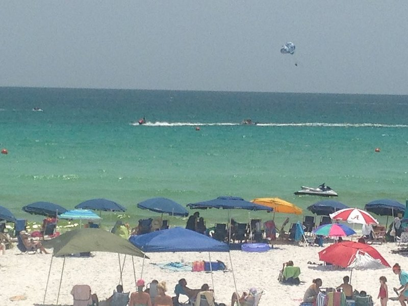GORGEOUS, STYLISH, 14th FL: GULF/BAY VIEWS. FREE BEACH SET-UP! REDUCED PRICES!, holiday rental in Destin